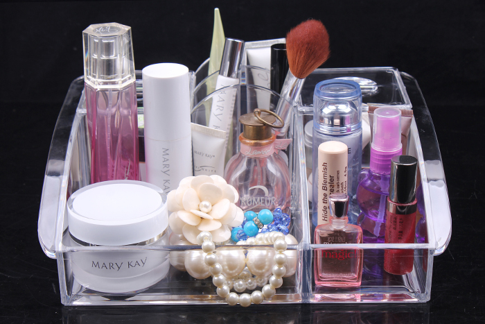 How to Prevent Cosmetics from Damaging your Jewelry