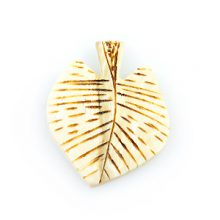 Burnt whitewood leaf design 26mm