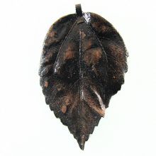 Electroplated gumamela leaf pendant wholesale