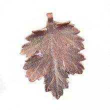 Electroplated chrysanthemum leaf pendant wholesale