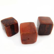 Banana bark inlaid 16mm cube Orange