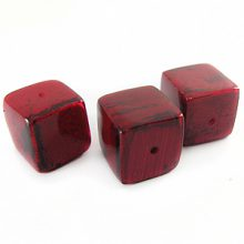 Banana bark inlaid 16mm cube Red