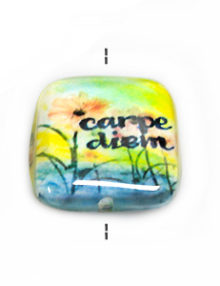 "Laminated paper print ""carpe diem"" 27.5mm square"