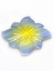 River shell painted blue flower pendant wholesale
