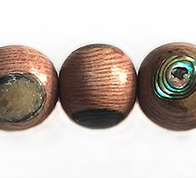 Rosewood 10mm round with paua insert