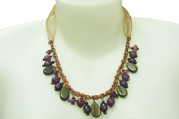 Make-a-Bold-Statement-with-Handmade-Natural-Jewelry